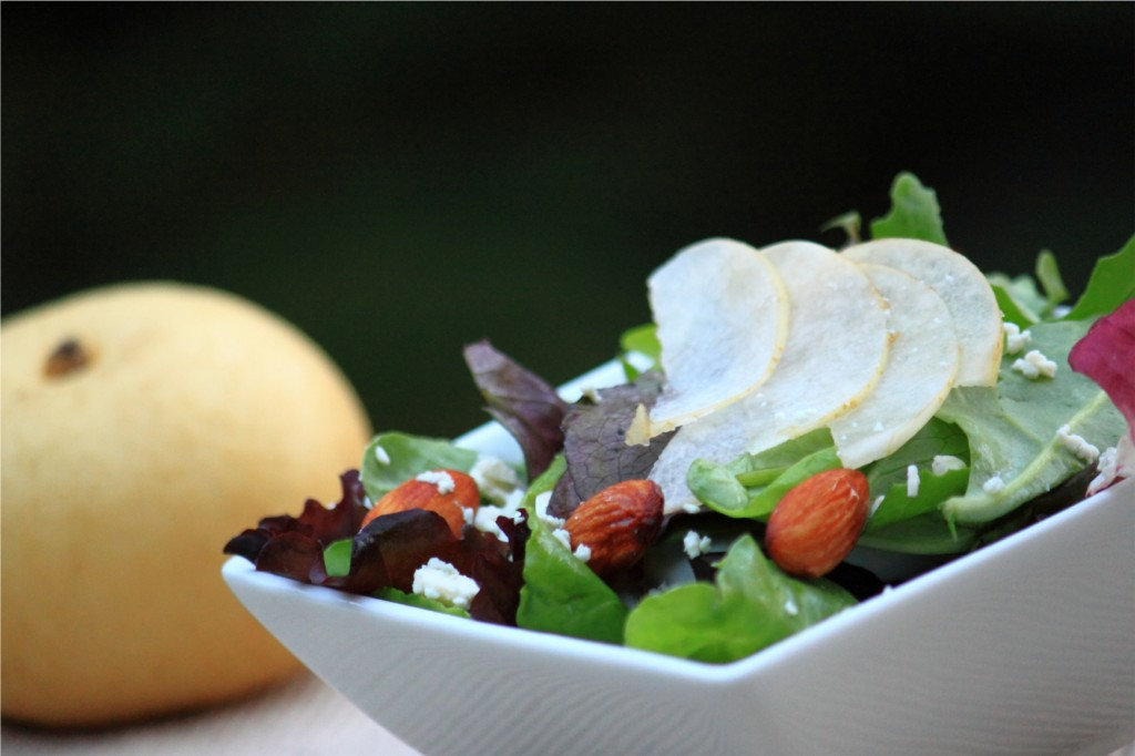Asian Pear Salad with Tamari Pecans and Blue Cheese
