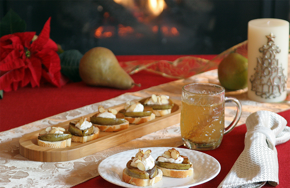 Starter: Balsamic-Glazed Pear and Goat Cheese Crostini with Hot Spiced Apple-Pear Cider