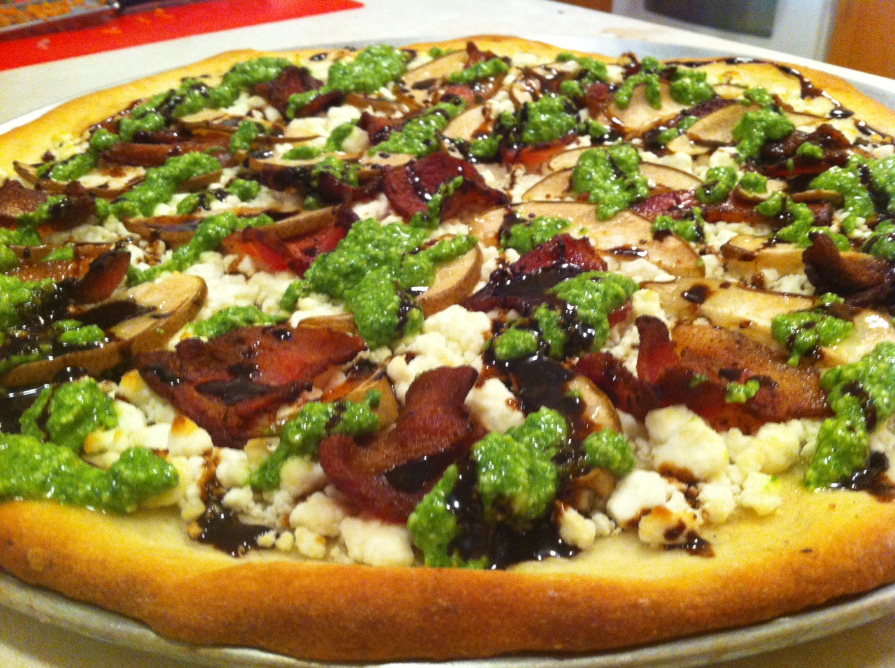 Comice pear and goat cheese pizza recipe on The Fruit Company Blog