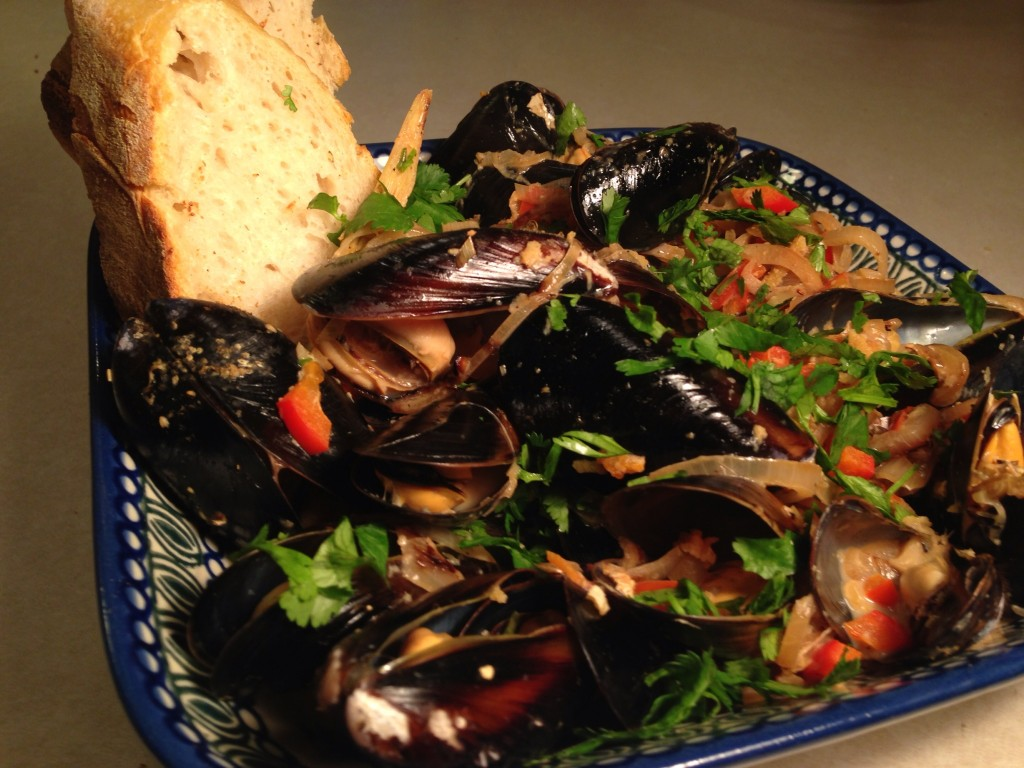 Spicy Coconut Lemongrass Steamed Mussels, Recipe, Valentine's Day, The Fruit Company, Love